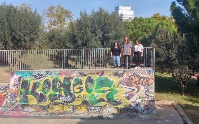 Glòria Llobet, Valen Garrido i Alba Torres a l'skatepark de Sabadell | Ràdio Sabadell