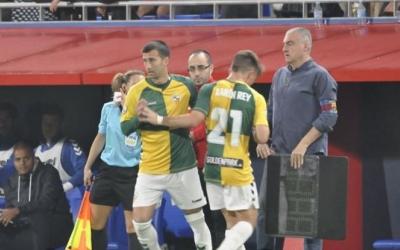 Manu Lanzarote ha substituït Aarón Rey en sis ocasions enguany (i dos al revés) | Críspulo Díaz