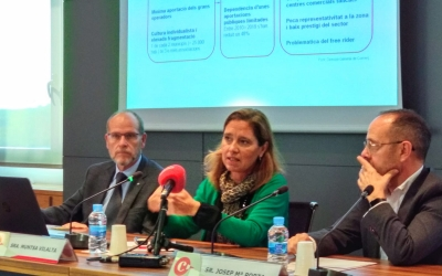 Josep Alberich, Muntsa Vilalta i Josep M.Porta a la presentació de les APEU | Helena Molist