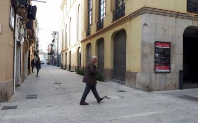 El carrer Sant Pere, aquest migdia/ Karen Madrid