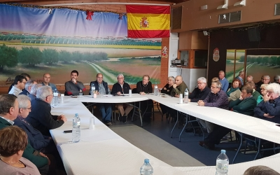 Imatge del col·loqui que s'ha celebrat aquest migdia a la seu dels Ballesteros | Núria García