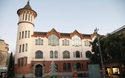 Imatge de l'edifici històric de l'antiga Caixa Sabadell on s'instal·larà ara la Bosch i Cardellach | Roger Benet