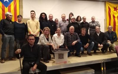 La junta del Cercle Republicà amb assistents a la primera assemblea/ Cedida Cercle