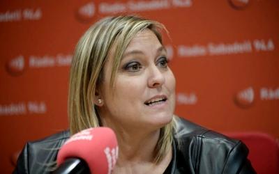 La regidora d'esports, Laura Reyes, avui als estudis de Ràdio Sabadell | Roger Benet