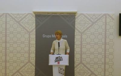 Lourdes Ciuró presentant les esmenes a les ordenances | Ràdio Sabadell