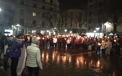 Els manifestants a la plaça Sant Roc | Helena Molist