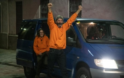 Xavi Duch, juntament amb la seva parella, aquesta matinada ja arribat a Sabadell | Roger Benet