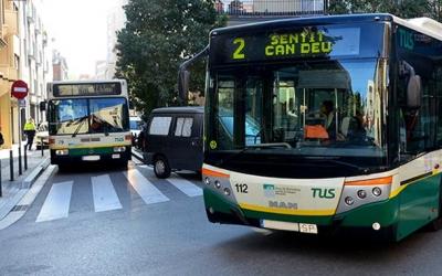 Imatge de dos autobusos de la TUS | Cedida