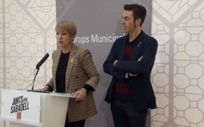 Lourdes Ciuró i Quim Carné en una roda de premsa | Ràdio Sabadell