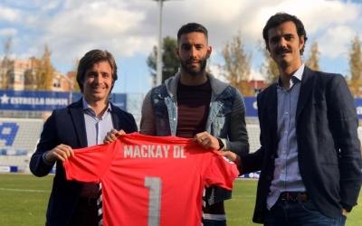 Jose Manzanera, Ian Mackay i Bruno Batlle, després de la renovació del gallec | CE Sabadell