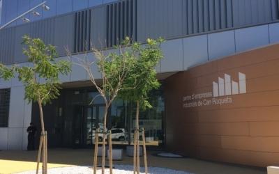 Exterior del Centre d'Empreses Industrials de Can Roqueta/ Arxiu