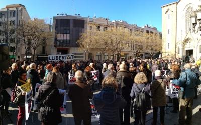 La plaça de Sant Roc plena de manifestants | Helena Molist