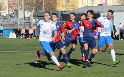El Juvenil 'A' del Mercantil va disputar un amistós el passat 5 de gener contra Les Franqueses que va acabar amb una contundent derrota (0-5) | CE Mercantil