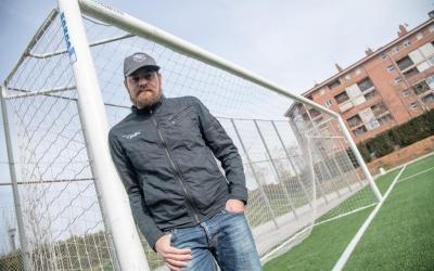 Lozano al Municipal de la Creu, allà on es va criar futbolística i personalment | Roger Benet