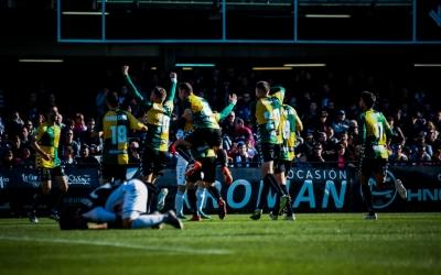 Celebració arlequinada del gol d'Aleix Coch | Sendy Dihör