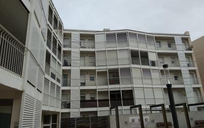 Exterior de l'edifici afectat pels problemes d'aigua calenta/ Helena Molist