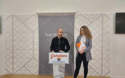 Els regidors de Ciutadans, Adrián Hernández i Laura Casado | Ràdio Sabadell