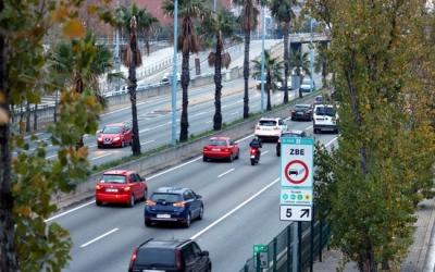Cartell anunciant l'entrada en una Zona de Baixes Emissions | ACN