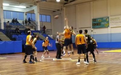 El duel va tenir lloc a la pista de l'Almeda i va ser el primer de la segona volta | Basket Almeda
