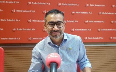 Gabriel Fernández durant una entrevista a Ràdio Sabadell