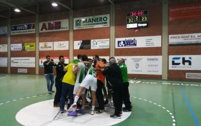Màxima alegria en els jugadors i cos tècnic de l'OAR Gràcia | Sergi Park