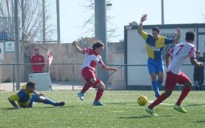 Vadillo (tirant-se per la gespa) va acabar expulsat | CF Mollet