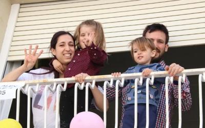 Una vintena de persones han respost a la crida que la mare del petit va fer a través de les xarxes socials