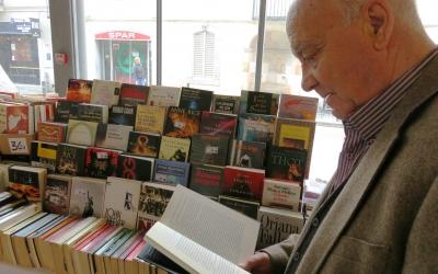 L'Associació Llibre Solidari ajuda a unes 200 famílies a la demarcació de Barcelona | Arxiu