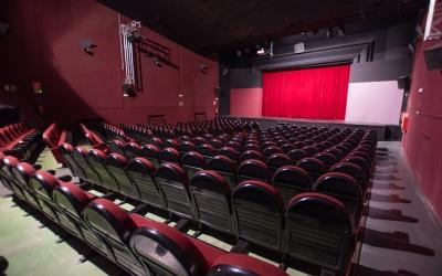 La platea del Teatre Sant Vicenç, buida | Roger Benet