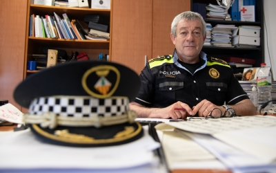 Joan Antoni Quesada, intendent major de la Policia Municipal, al seu despatx | Roger Benet