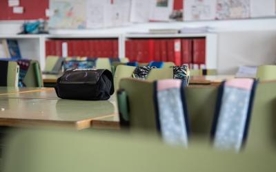 Imatge d'una aula escolar buida | Roger Benet