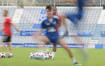 Atenta mirada de Juvenal Edjogo en un entrenament d'aquesta temporada | Roger Benet