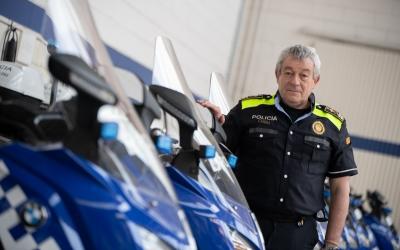 Joan Antoni Quesada al parc de motocicletes de Can Marcet | Roger Benet