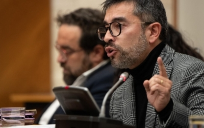 Gabriel Fernández, en un Ple municipal/ Roger Benet