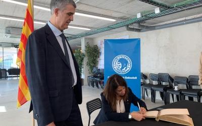 Meritxell Budó juntament amb Claudi Martí, president del CNS | Pau Vituri