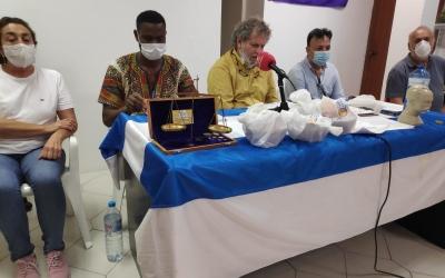 Membres de la FAIV durant la roda de premsa | Pau Duran
