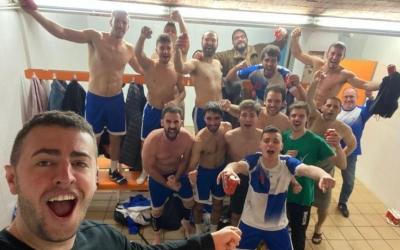 Celebració del Creu Alta en l'últim partit que va disputar l'equip en lliga (victòria davant l'Handbol Vil