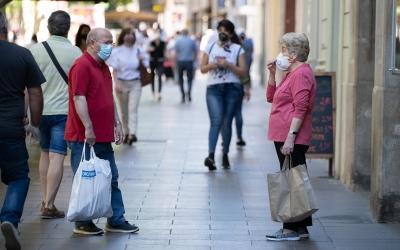 Des d'avui, l'ús de la mascareta és obligatori a tot Catalunya | Roger Benet