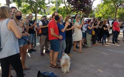 Una cinquantena de persones es manifesten en contra de les condemnes pel sabadellenc Elgio i per Pablo Hasel | Helena Molist