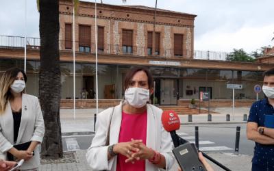 Sonia Sada, Marta Farrés i Pol Gibert a l'Hospital Taulí després de la reunió amb la direcció del centre | Cedida