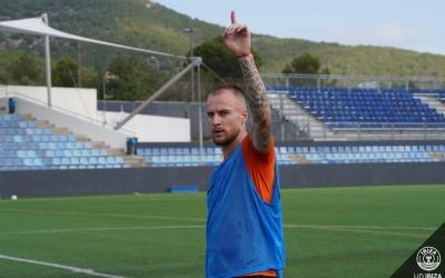 Cornud ha jugat a l'Oviedo 'B' i a l'Ibiza aquesta temporada | UD Ibiza