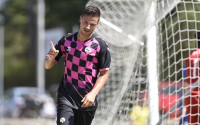 Guruzeta celebrant un dels seus dos gols | Marc González Alomà - CES