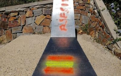 Imatge de l'ataca vandàlic al monument | ERC Sabadell