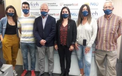Mònica Bosch (quarta des de l'esquerre) assumeix el càrrec de presidenta | FCEH