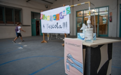 Imatge del pati de l'Escola Ribatallada el primer dia del curs | Roger Benet