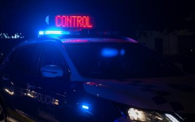 Imatge del vehicle policial durant el control d'aquesta nit | Roger Benet