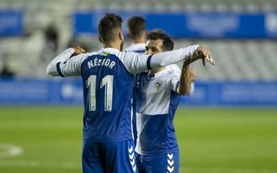 Néstor Querol i Óscar Rubio celebren el triomf contra el Lega | CES