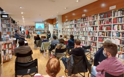 Imatge de l'última xerrada del Sabadell Negre, aquest dissabte a la Llar del Llibre/ Karen Madrid