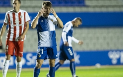 Aarón Rey es lamenta en el Sabadell-Almería de dijous passat | Marc González Alomà - CES