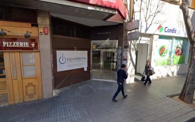 Entrada del Servei d'Intervenció Especialitzada al carrer de les Valls | Google Maps